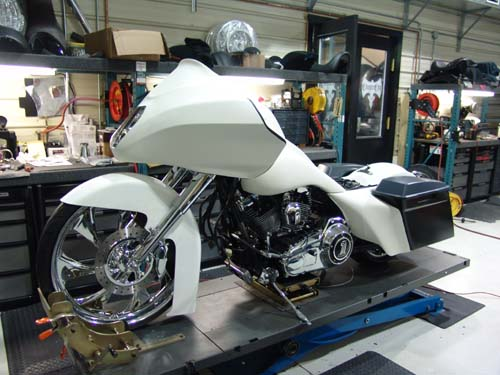 LINK TO BUILD PAGE Lamar's 2010 Customized Road Glide